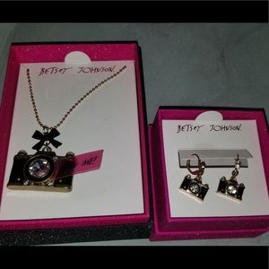 Betsy Johnson earring and necklace set